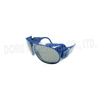 Prescription safety eyewear with adjustable temples